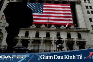 """Vì sao Kinh tế Mỹ """"RƠI TỰ DO"""" nhưng chứng khoán lại BÙNG NỔ ?"""