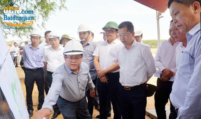 Ban thường trực kiểm tra dự án cầu qua sông cổ cò