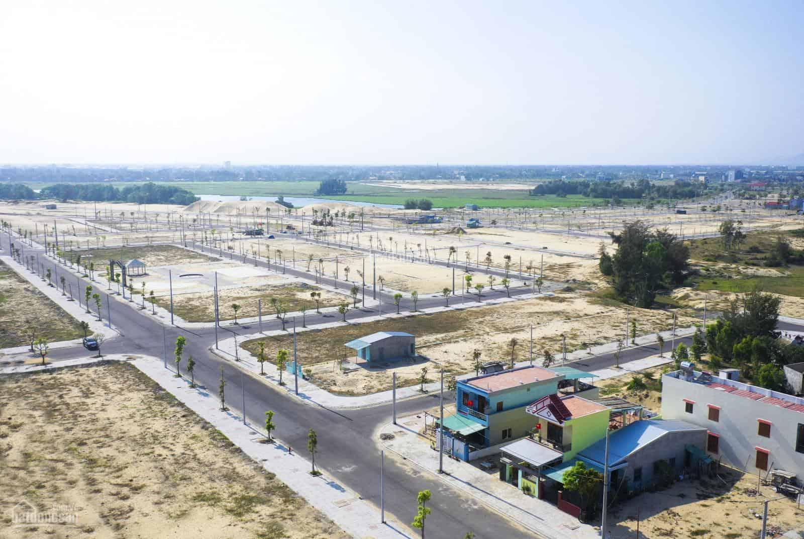 Bán đất Đà Nẵng – Biệt thự ven biển tiếp giáp sông Cổ Cò.