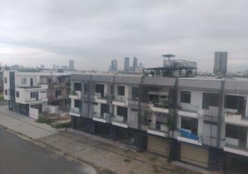 Tôi bán căn nhà ở trung tâm Đà nẵng giá rẻ, mặt tiền sông Hàn, giá đã quá rẻ nên không thương lượng.