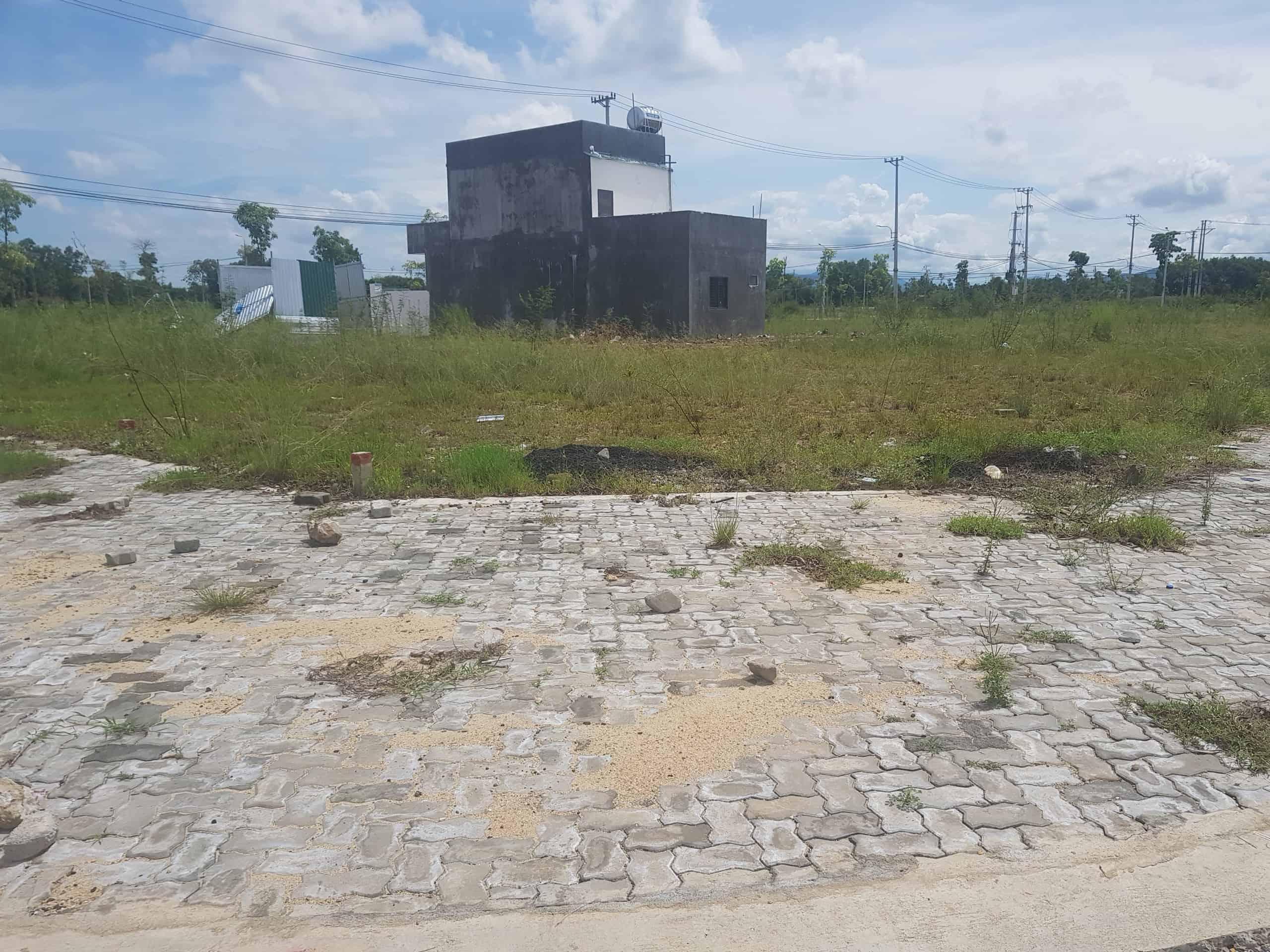 Bán đất đường Nguyễn Công Phương, Quảng Ngãi giá 850tr