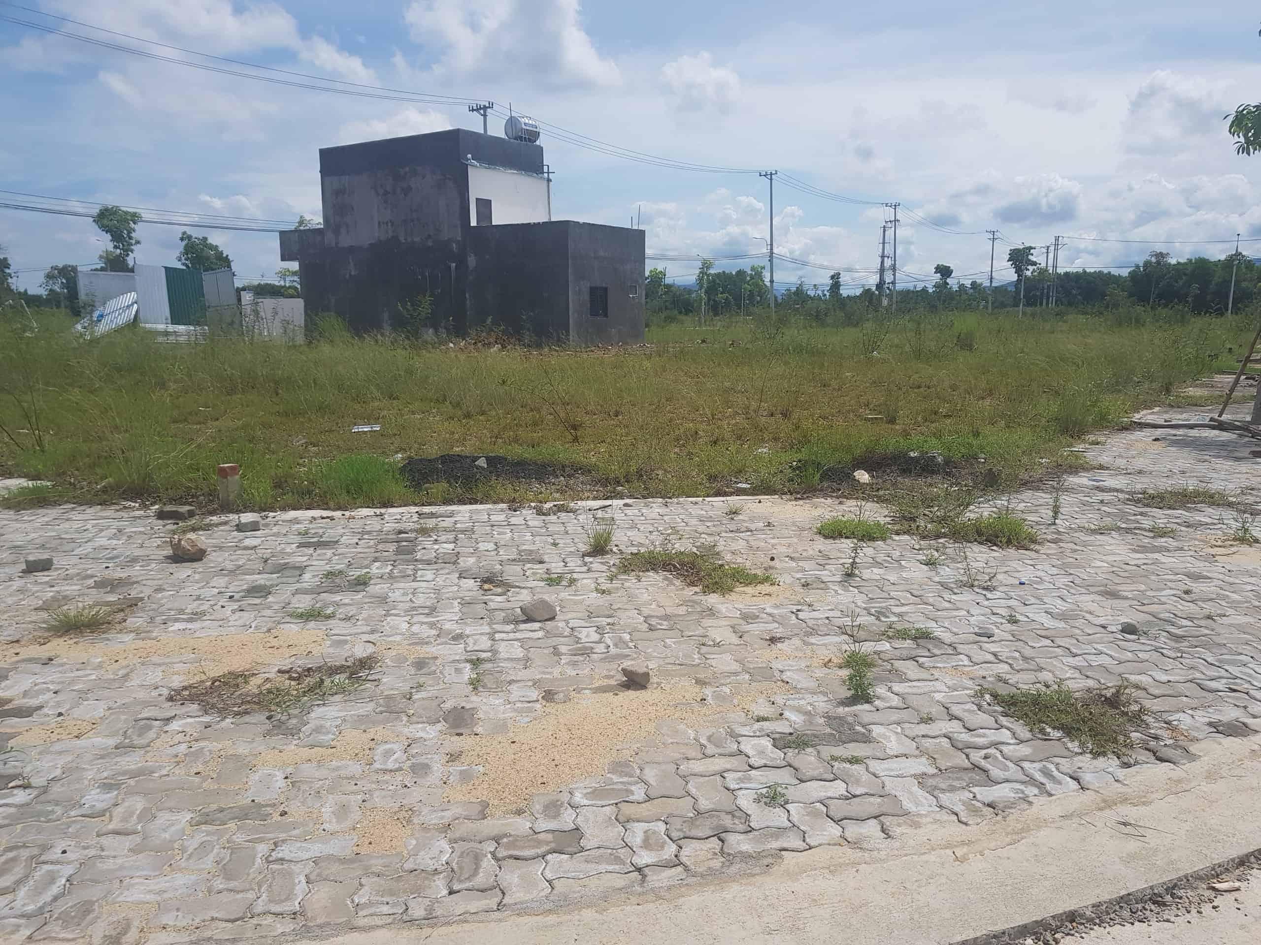 Bán đất đường Nguyễn Công Phương Quảng Ngãi giá 850 tr