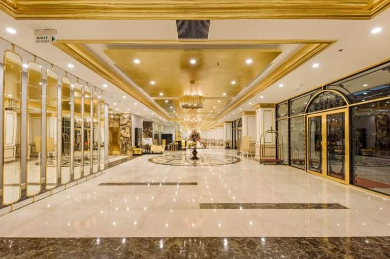 sảnh khách sạn Đà Nẵng Golden Bay